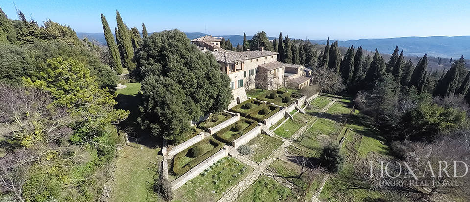 Luxury Property in Tuscany - Villa in Siena Image 4