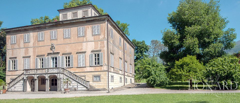 villa for sale lucca tuscany