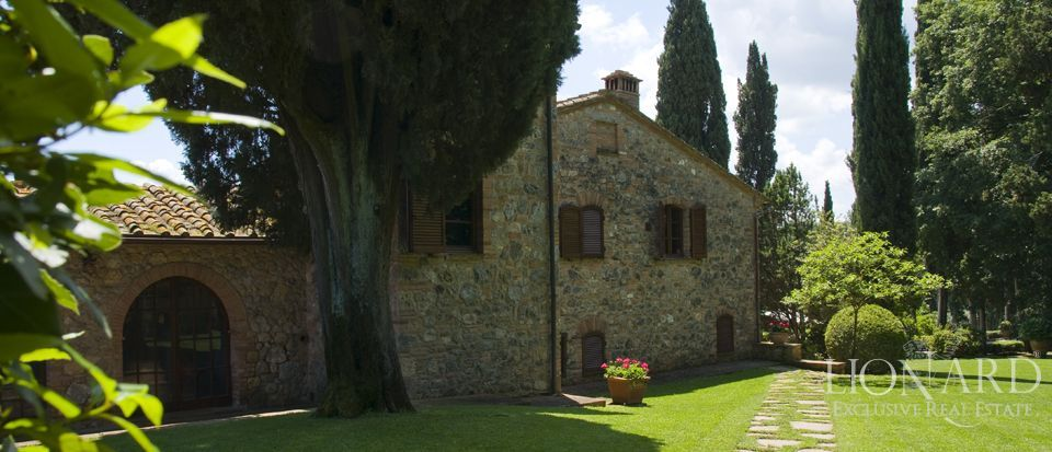 Luxury Villa - Properties in Tuscany Image 4