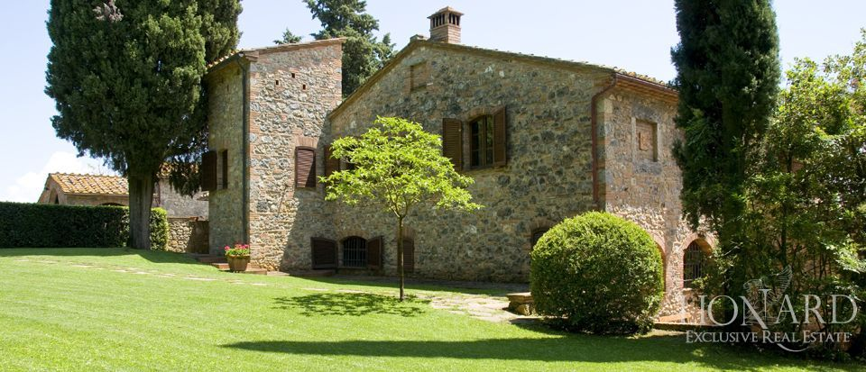 Luxury Villa - Properties in Tuscany Image 3