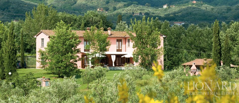 luxury farmhouse for sale tuscany jp