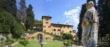 apartment for sale in historical villa in tuscany jp