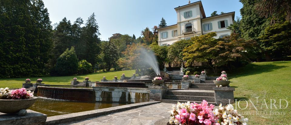 Luxury villa for sale on Lago Maggiore Image 1