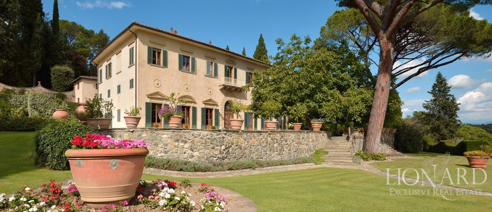 LUXURY VILLA FOR SALE IN FLORENCE Image 1