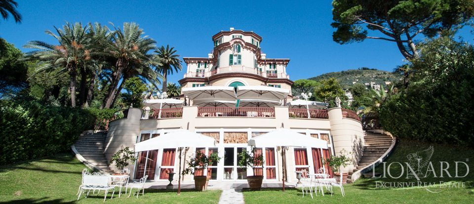 EXCLUSIVE LUXURY VILLA IN GENOA FOR SALE Image 1