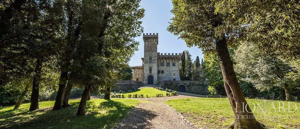 Castle for Sale in Tuscany, in the Chianti area Image 3
