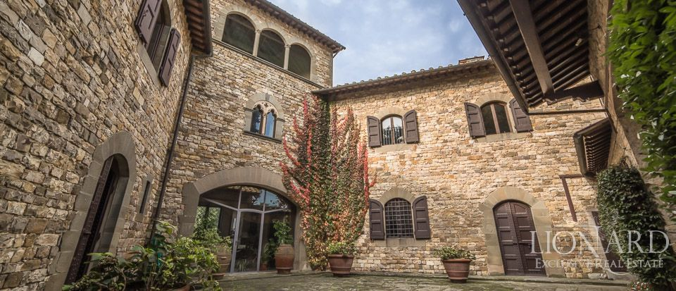 Castle For Sale in Italy - Luxury Homes Italy Image 27