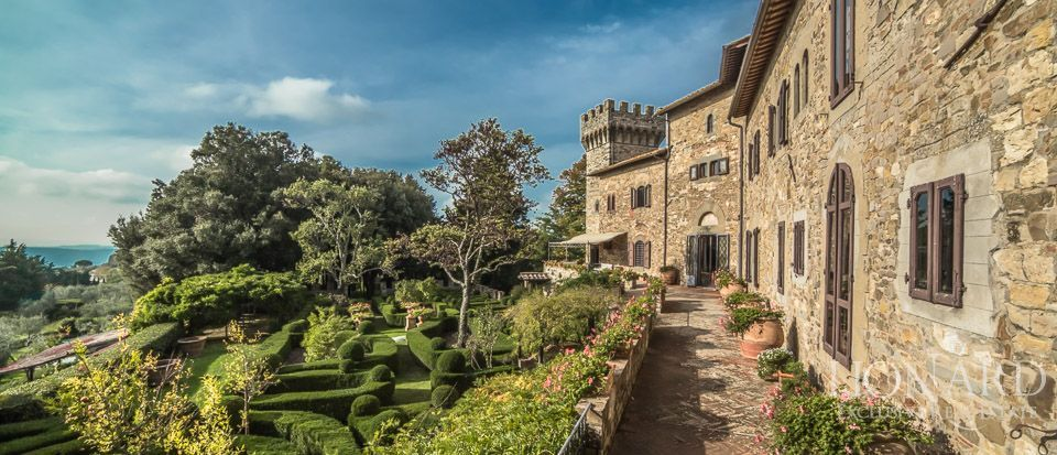 Castle For Sale in Italy - Luxury Homes Italy Image 11