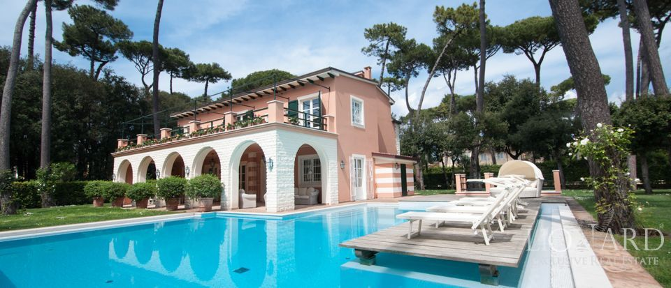 Villas for sale in Forte dei Marmi Image 1