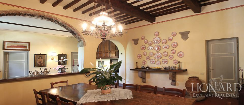 Historic villas for sale in Lucca Image 38