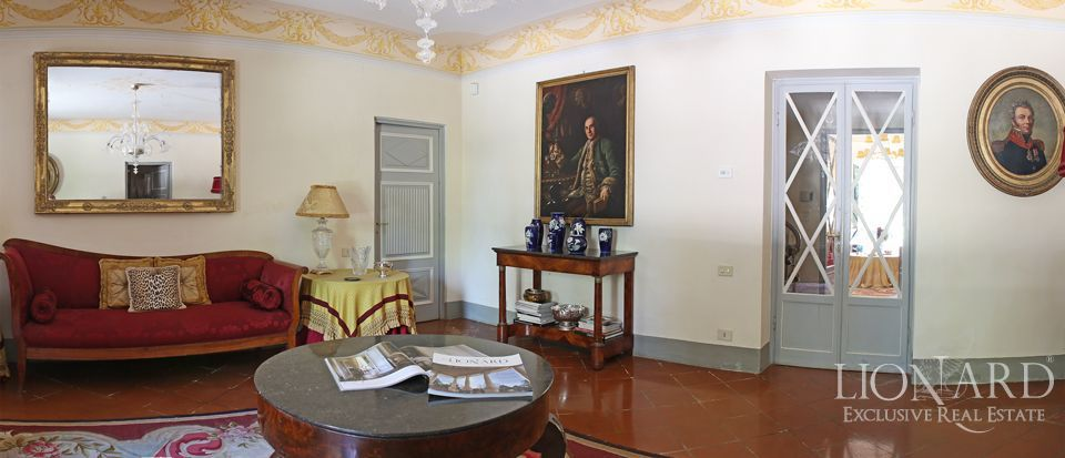 Historic villas for sale in Lucca Image 29