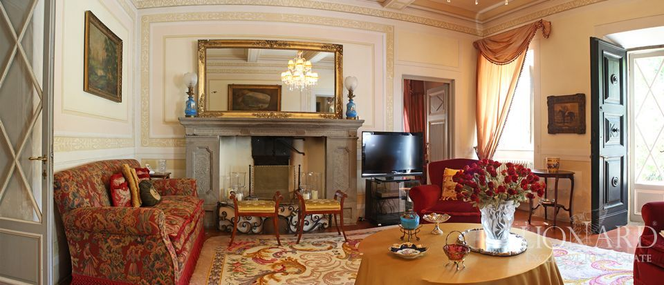 Historic villas for sale in Lucca Image 24