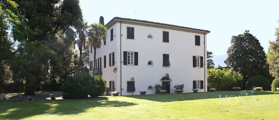 Historic villas for sale in Lucca Image 9