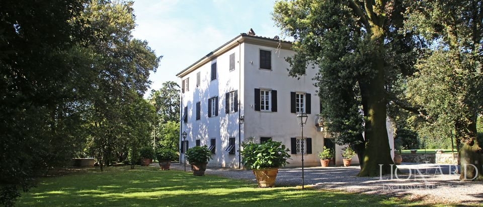 Historic villas for sale in Lucca Image 6