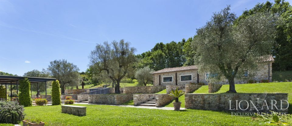 prestigious farm for sale in tuscany