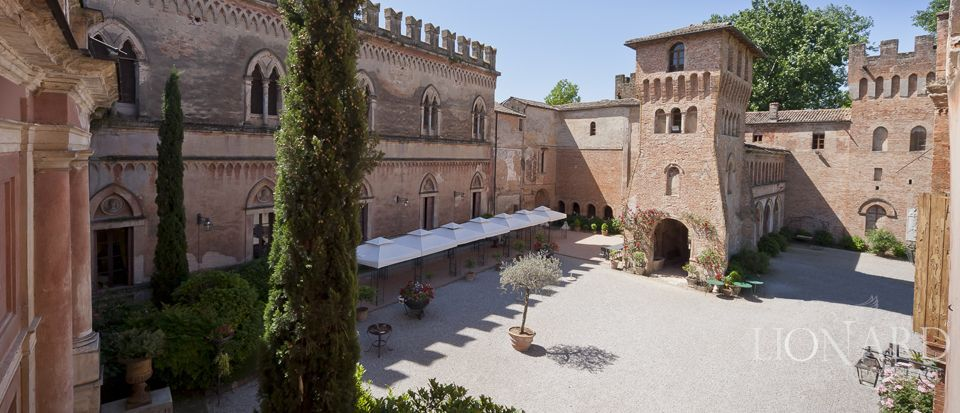 Castle for sale in Milan Image 33
