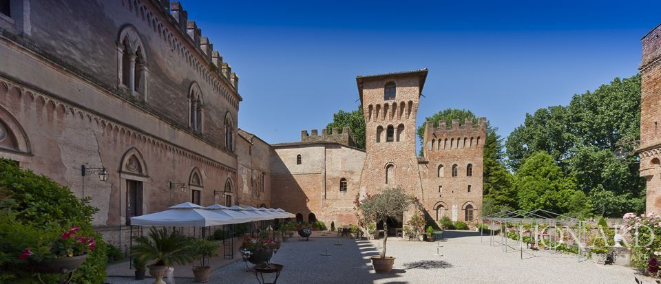 Castle for sale in Milan Image 32