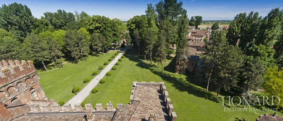 Castle for sale in Milan Image 27
