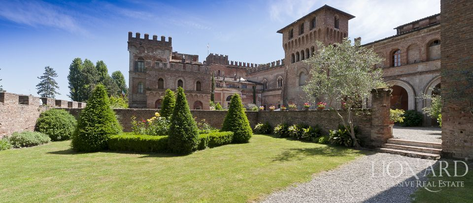 Castle for sale in Milan Image 16