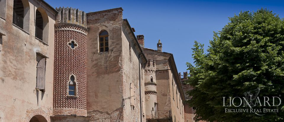 Castle for sale in Milan Image 14