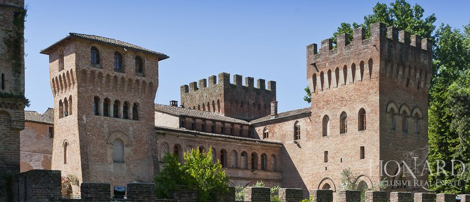 Castle for sale in Milan Image 13