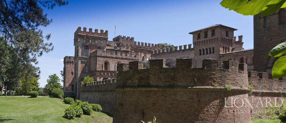 Castle for sale in Milan Image 12