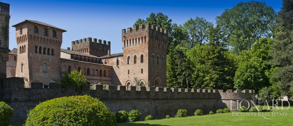 Castle for sale in Milan Image 11