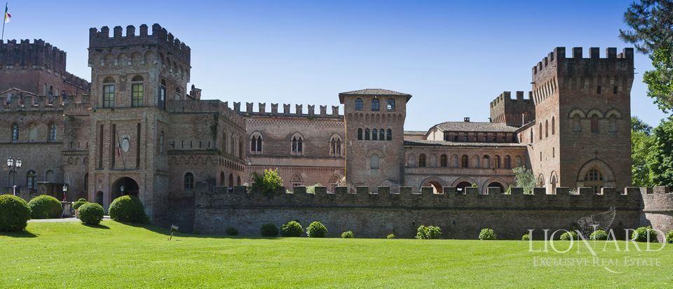 Castle for sale in Milan Image 8
