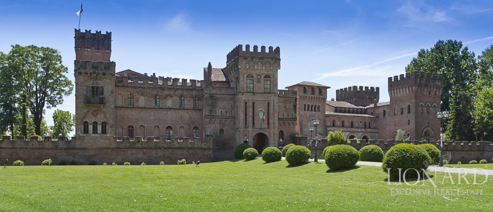Castle for sale in Milan Image 3