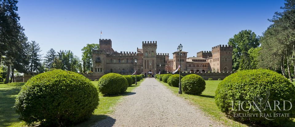Castle for sale in Milan Image 2