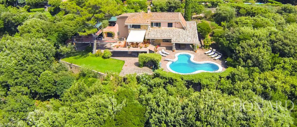 luxueuze villa te koop in orbetello
