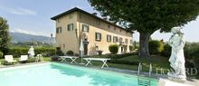 ko luxury villa for sale in lucca 1