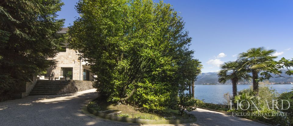 Luxury villa on Lake Maggiore Image 11