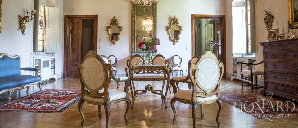 Luxory villas for sale in Lucca Image 42
