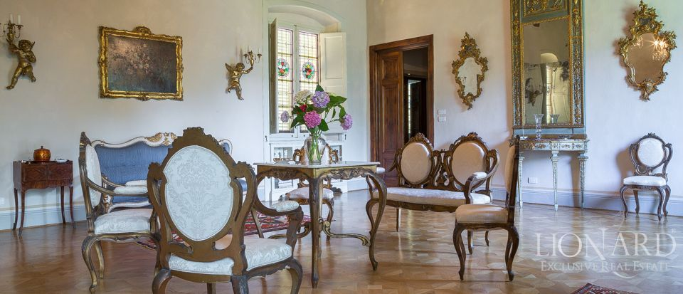 Luxory villas for sale in Lucca Image 41