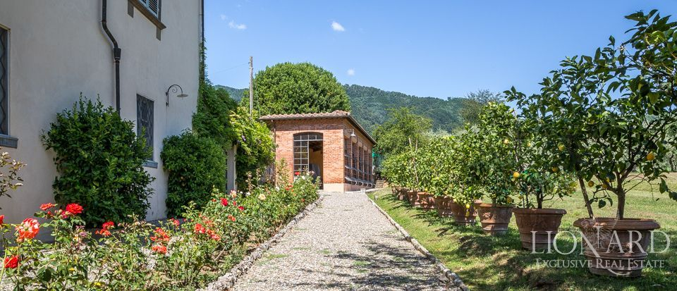 Luxory villas for sale in Lucca Image 10