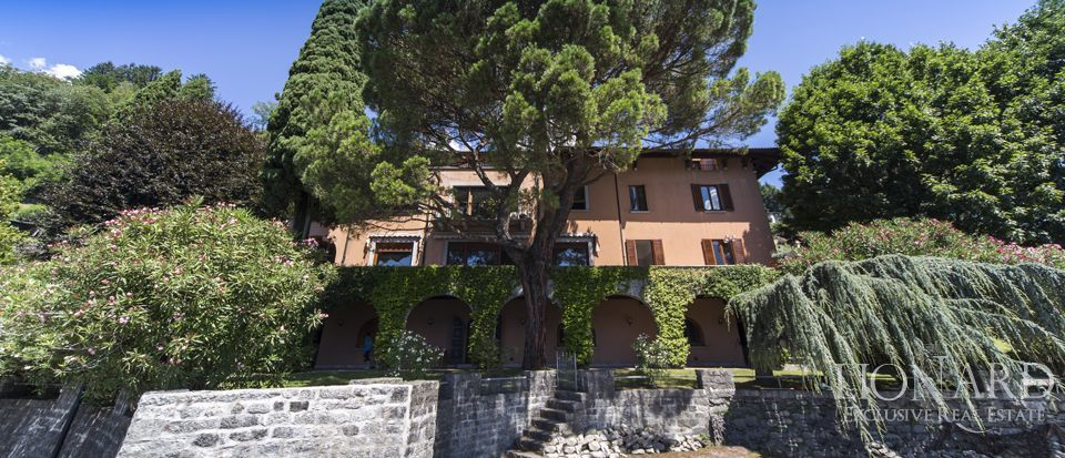 villa for sale on lake como