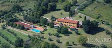 luxury villa for sale in tuscany 1