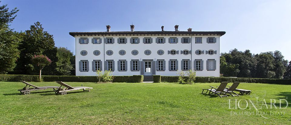 HISTORIC VILLA FOR SALE IN LUCCA Image 1