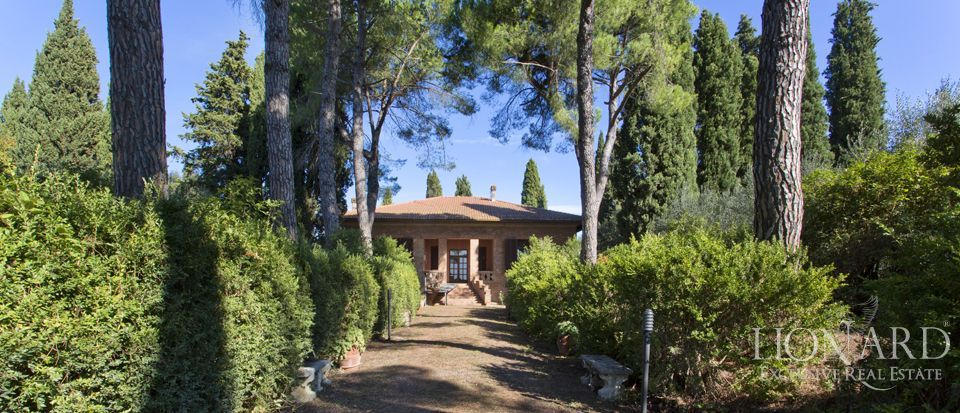 luxury villa for sale in siena 1