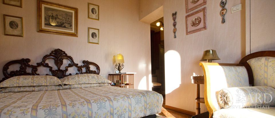 Florence, luxury villas for sale Image 37