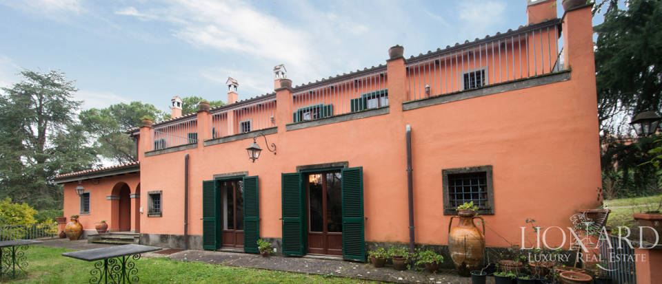 Luxury villa for sale in Rome in quiet residential area Image 1
