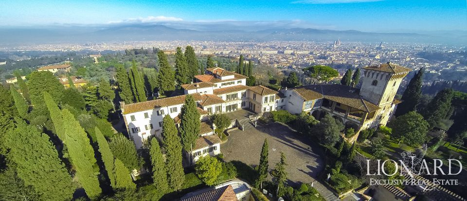 Prestigious luxury villa for sale in Florence Image 1