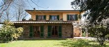 luxury villa with pool for sale in lucca