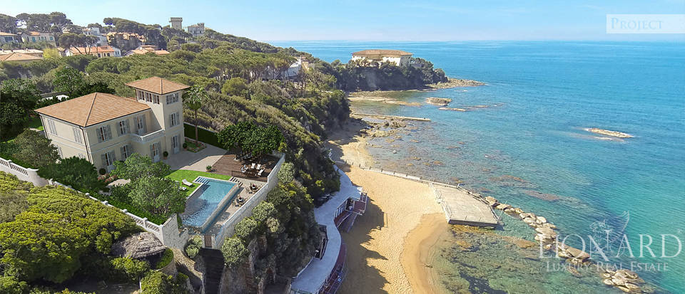 Villa with private access to the beach in Castiglioncello Image 1