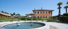 seaside luxury villa in the marche