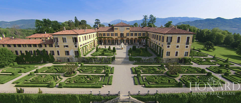 magnificent luxury villa for sale in lombardy