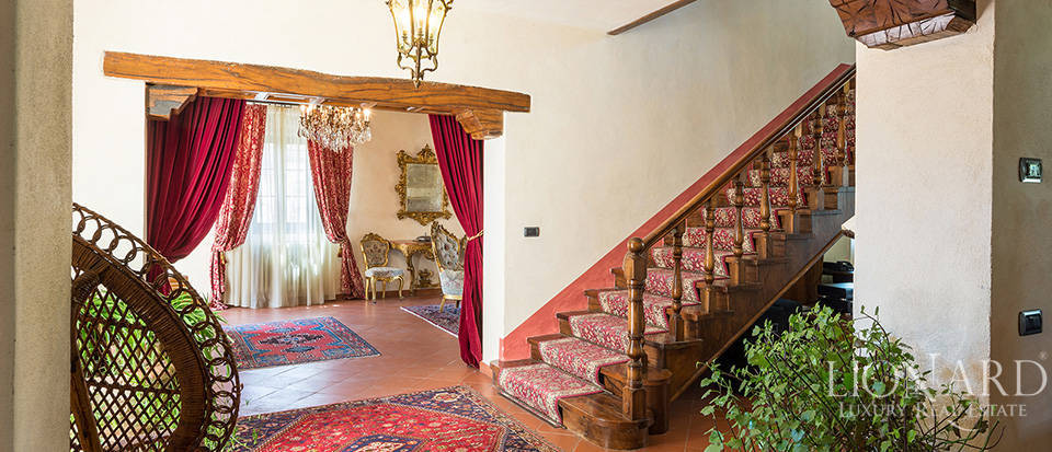 Castles for sale in Tuscany  Image 44