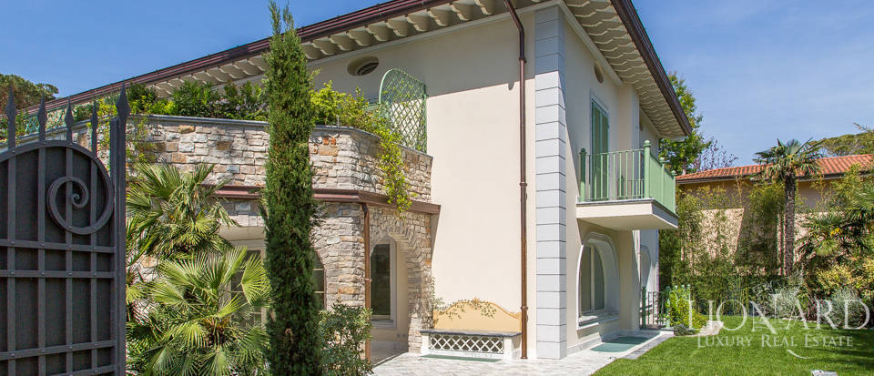 Luxury home for sale in Versilia Image 9