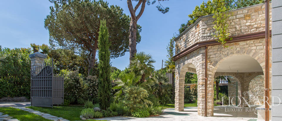 Luxury home for sale in Versilia Image 6